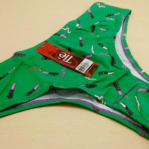 Calça Em Microfibra Básica Verde Estampa Batons