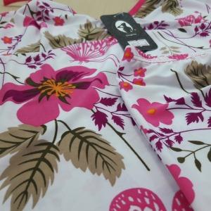 Branco/ Floral Chocolate e Pink