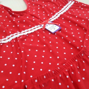Short Doll Eva Plus Size Fundo Vermelho com Bolinha
