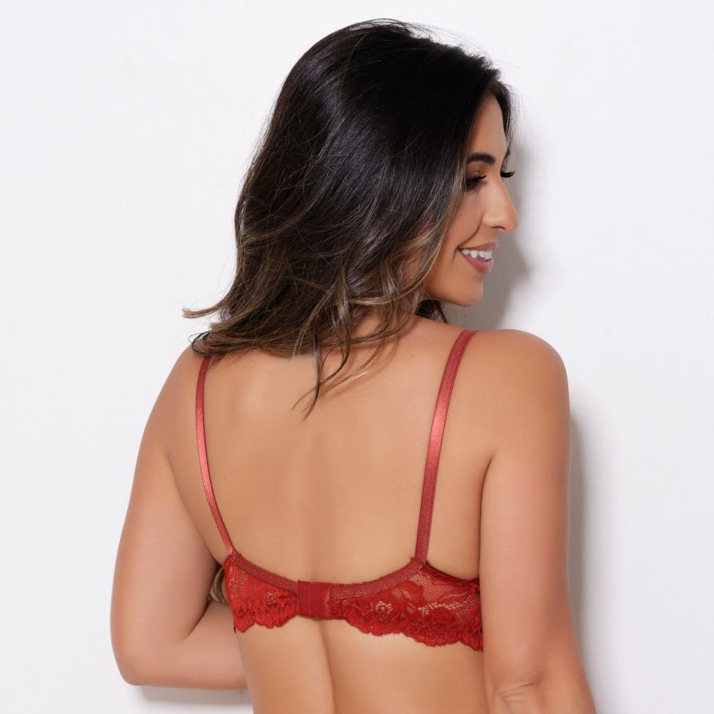 Suti� Marquezine